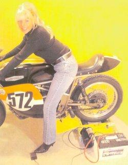 zdoc_bike_girl_01182005a